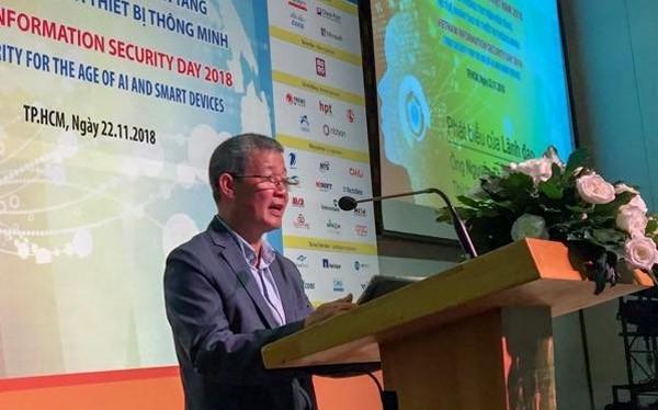 Thứ trưởng Bộ TT&TT Nguyễn Thành Hưng phát biểu trong phiên khai mạc