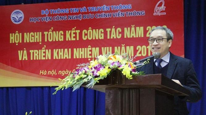 Thứ trưởng Bộ TT&TT Phan Tâm phát biểu tại Hội nghị tổng kết công tác năm 2018 và triển khai nhiệm vụ năm 2019 của Học viện Công nghệ Bưu chính Viễn thông.