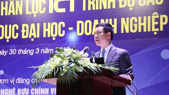 Bộ trưởng Bộ TT&TT Nguyễn Mạnh Hùng phát biểu tại Tọa đàm