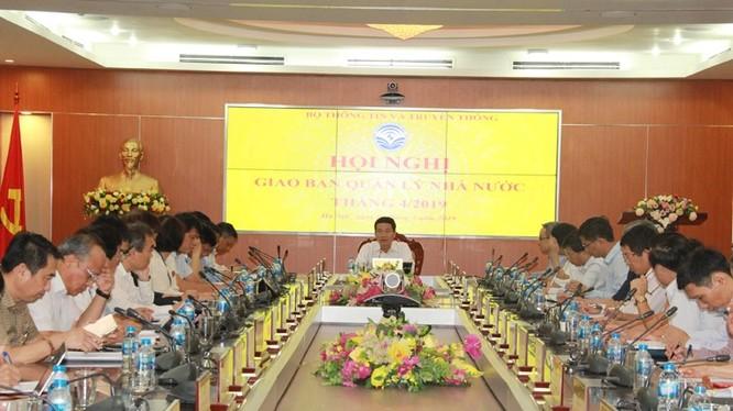 Bộ trưởng Nguyễn Mạnh Hùng phát biểu chỉ đạo tại Hội nghị giao ban.