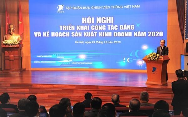 Ông Phạm Đức Long, Phụ trách Hội đồng Thành viên, Tổng giám đốc VNPT phát biểu tại Hội nghị.