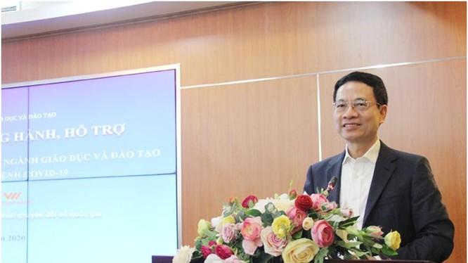 Bộ trưởng Bộ TT&TT Nguyễn Mạnh Hùng phát biểu tại lễ ký kết hợp tác