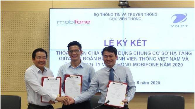 VNPT và Mobifone ký kết dùng chung hạ tầng