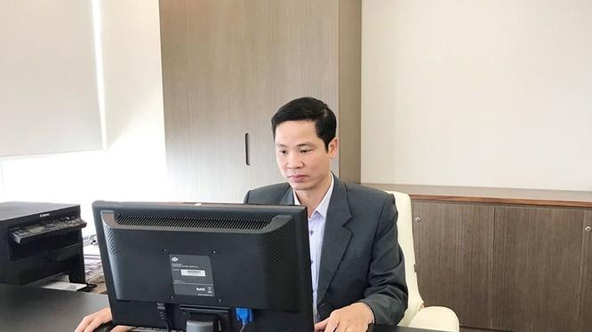 Ông Nguyễn Phú Tiến , Phó Cục trưởng Cục Tin học hóa.