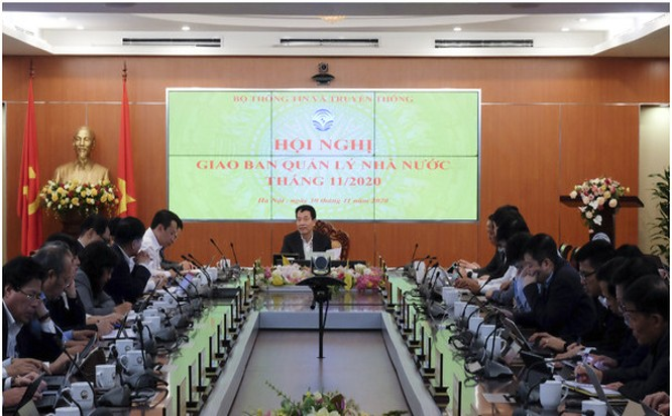 Bộ trưởng Nguyễn Mạnh Hùng phát biểu tại Hội nghị giao ban. Ảnh MIC