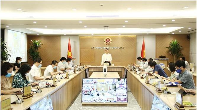 Bộ trưởng Nguyễn Mạnh Hùng phát biểu tại Hội nghị giao ban của Bộ TT&TT. Ảnh Mic