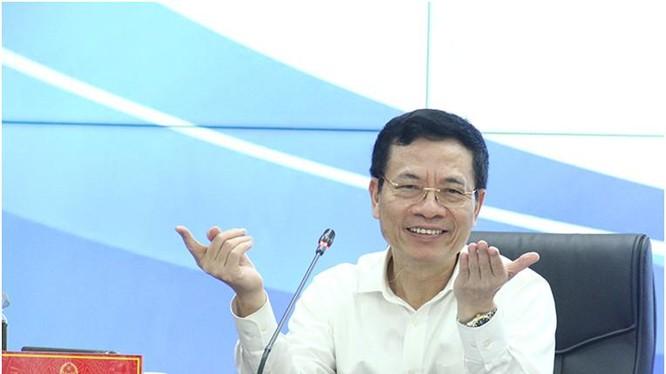 Bộ trưởng Nguyễn Mạnh Hùng. Ảnh Mic