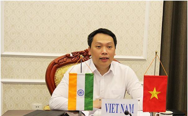 Thứ trưởng Nguyễn Huy Dũng phát biểu tại Hội thảo. Ảnh MIC