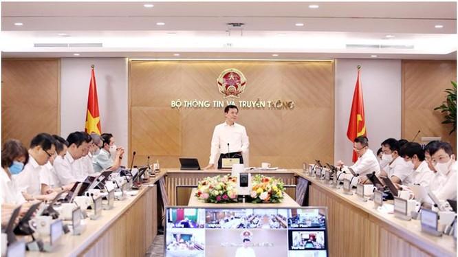 Bộ trưởng Bộ TT&TT Nguyễn Mạnh Hùng phát biểu tại hội nghị. Ảnh Mic