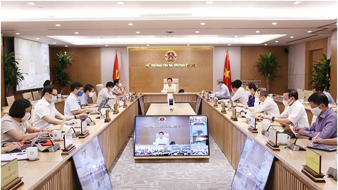 Bộ trưởng Nguyễn Mạnh Hùng chủ trì Hội nghị giao ban. Ảnh Mic
