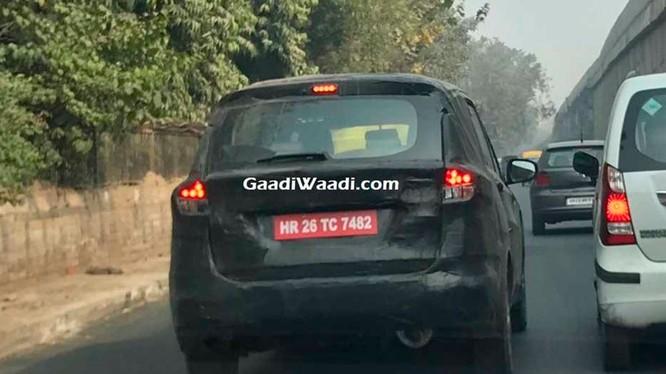 Mẫu xe test của Suzuki Ertiga bị bắt gặp khi chạy thử tại Ấn Độ (Ảnh: GaadiWaadi)