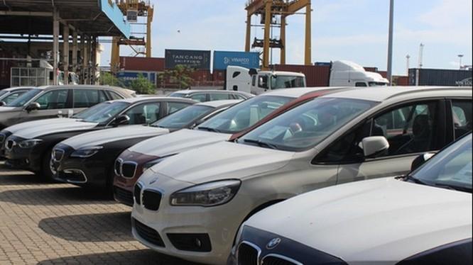 Hơn 600 xe BMW phơi mưa nắng ở Việt Nam sẽ tái xuất về Đức
