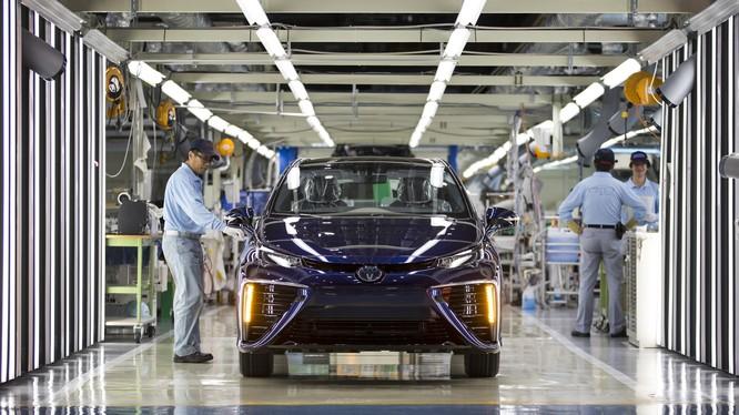 Toyota xác nhận những chiếc xe của họ sản xuất từ thép Kobe vẫn đạt tiêu chuẩn an toàn (Ảnh: TheSun)