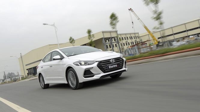 Hyundai Elantra Sport được trang bị động cơ 1.6 T-GDi mạnh mẽ