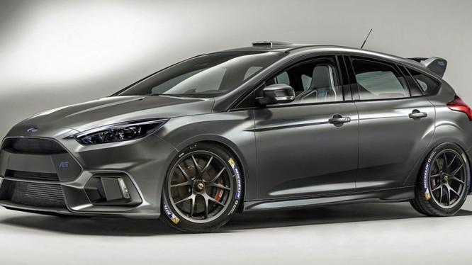 Ford Focus RS là phiên bản hiệu suất cao nhất của dòng xe này những sẽ mất nhiều năm để hoàn thiện nó