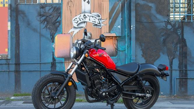 Honda Rebel 300 được HVN bán với giá 125 triệu đồng
