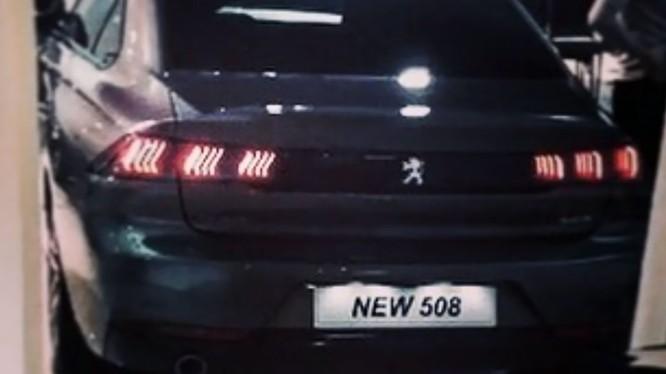 Hình ảnh mẫu 508 hoàn toàn mới được tiết lộ bởi Peugeot Heritage trên Facebook