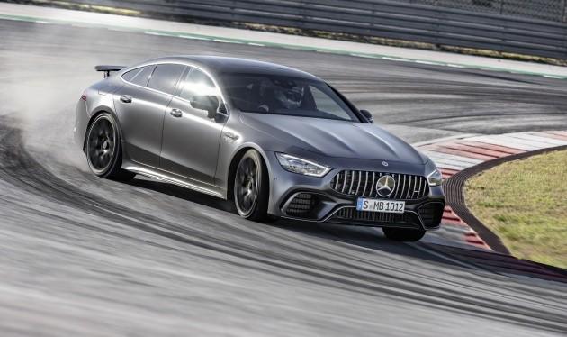 Mercedes-Benz đã có cú nhảy vọt từ vị trí thứ 3 lên vị trí dẫn đầu Top thương hiệu ô tô có giá trị nhất thế giới.
