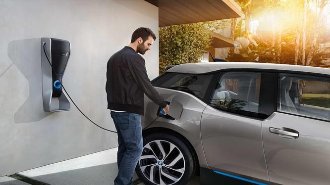 Tương lai, giá của một xe điện sẽ có thể rẻ hơn cả xe chạy xăng hay diesel