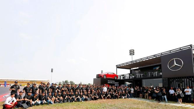 Đây là lần thứ 15 Học viện lái xe an toàn Mercedes-Benz được tổ chức tại Việt Nam