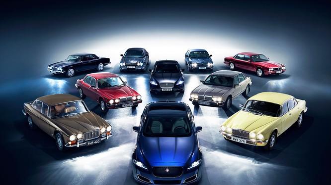 XJ là mẫu xe tiêu biểu cho sự sáng tạo, tư duy của tương lai, đó cũng chính là điều khiến chiếc sedan hạng sang này của Jaguar luôn khác biệt suốt 50 năm qua