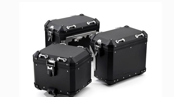 Gói phụ kiện thùng nhôm Black Editon hiện dự kiến sẽ bán ra tại thị trường Mỹ đầu tiên vào cuối năm 2018