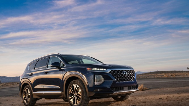 Hyundai Santa Fe 2019 bán ra tại thị trường Mỹ sẽ có giá dao động từ 25.500 - 35.450 USD. (Ảnh: Hyundai)