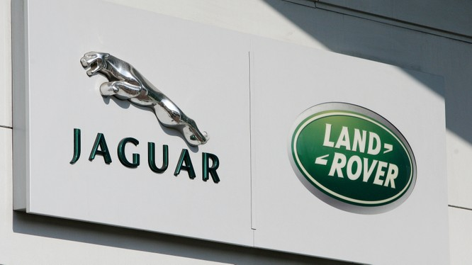 Sự bất ổn kinh tế ở Anh xuất hiện đúng vào thời điểm JLR đang vật lộn với doanh số bán thấp trong bối cảnh nhu cầu mua sắm xe giảm. (Ảnh minh họa)