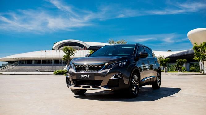 Chỉ 6 tháng đầu năm 2018, doanh số Peugeot 3008/5008 đã đạt 1.700 xe - dẫn đầu thị trường phân khúc SUV châu Âu ở Việt Nam.