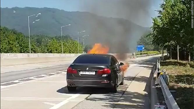 Cơ quan cảnh sát đã phải mở cuộc điều tra hình sự liên quan đến hàng loạt vụ cháy xe BMW trong vài tháng qua. (Ảnh:Yonhap)