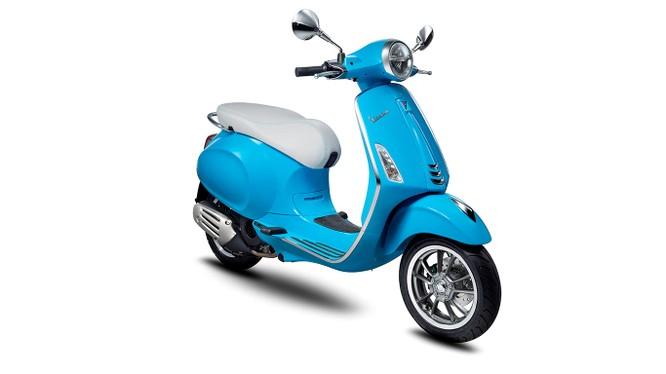 50 năm, nhưng Vespa Primavera luôn là chiếc xe tay ga mang tính biểu tượng với giới trẻ.