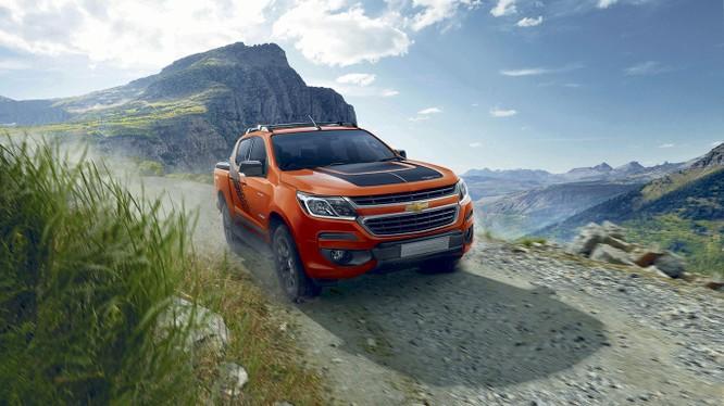 Giá bán của phiên bản giới hạn Storm vẫn giữ nguyên mức giá 819 triệu đồng như bản cao cấp High Country. (Ảnh: Chevrolet)