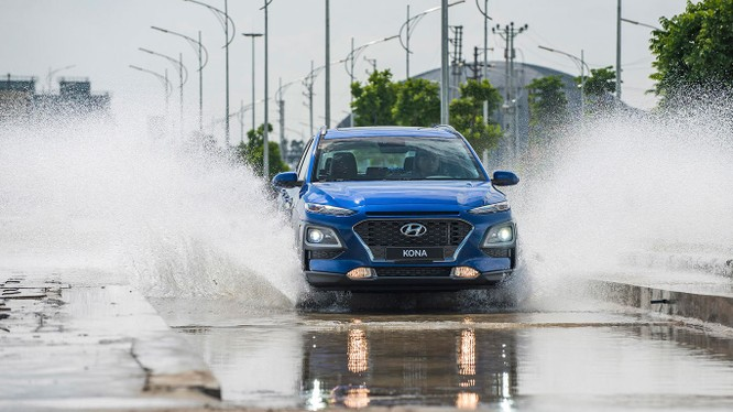 Vừa ra mắt, Hyundai Kona đã phả hơi nóng lên các đối thủ trong cùng phân khúc.