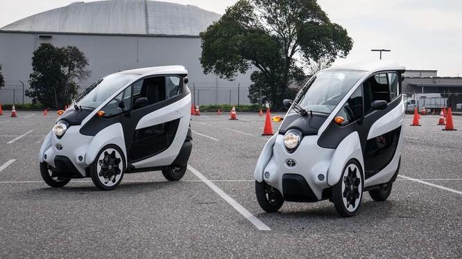 Phiên bản thử nghiệm của mẫu Toyota i-ROAD concept. (Ảnh: Cnet)