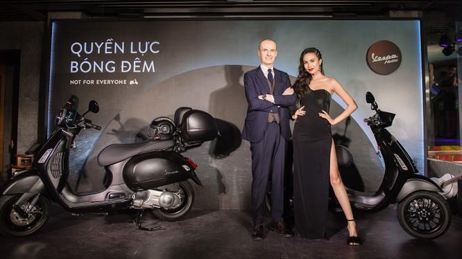 """Ông Gianluca Fiume – Tổng giám đốc Piaggio Việt Nam chia sẻ: """"Chúng tôi luôn hướng tới việc đem lại những trải nghiệm sản phẩm và dịch vụ vượt ngoài sự mong đợi của khách hàng""""."""