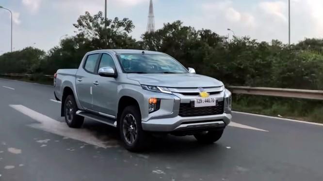 Theo một số thông tin chưa chính thức, nhiều khả năng Mitsubishi Triton 2019 sẽ được giới thiệu tại thị trường Việt Nam trong quý I/2019. (Nguồn ảnh: trích từ video)