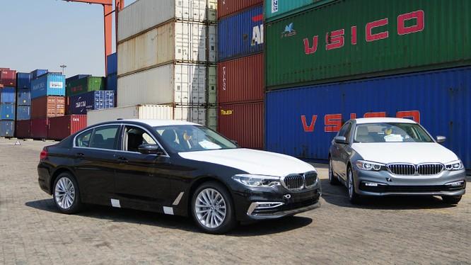 BMW 5-Series vừa về Việt Nam có nhiều trang bị vượt trội so với các đối thủ đồng cấp.