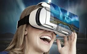 Tham gia game thực tế ảo cũng có thể bị chấn thương nếu di chuyển trong không gian thực. Ảnh: Xã hội Thông tin