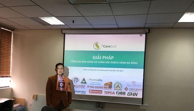 Ông Phan Thanh Hiền giới thiệu hệ thống Tổng đài Bán hàng và Chăm sóc Khách hàng Đa kênh