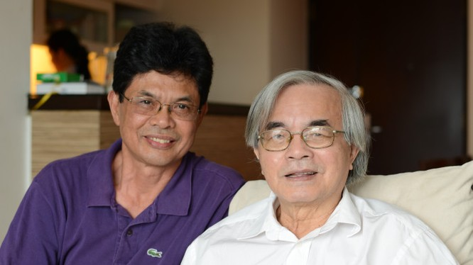 GS TS Phan Đình Diệu (bên phải) và TS Giang Công Thế - chuyên viên Ngân hàng Thế giới tại Việt Nam. (Ảnh do TS Giang Công Thế cung cấp)