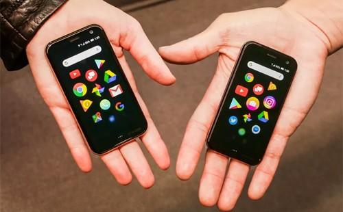 Palm - chiếc điện thoại không phải là điện thoại. Ảnh: Cnet.