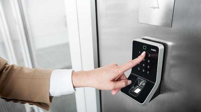 Công nghệ bảo mật bằng dấu vân tay đang được ứng dụng rất phổ biến trong nhiều lĩnh vực.