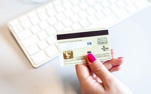 Ngân hàng Mỹ bắt đầu thử nghiệm thẻ tín dụng có mã CVV động.