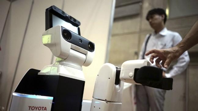 Trái ngược với những dự báo, phần lớn lao động được hỏi trong cuộc khảo sát của WEF lại tỏ ra lạc quan trước xu hướng tự động hóa và tiến bộ trong lĩnh vực robot, trí tuệ nhân tạo (AI). Ảnh: Toyota.