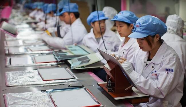 Apple không thể mang dây chuyền sản xuất iPhone về Mỹ. Ảnh minh họa