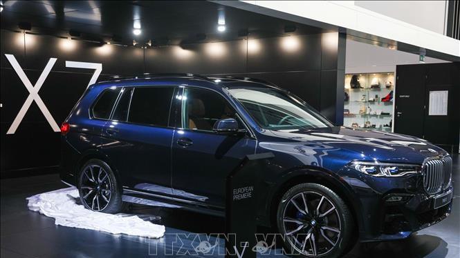 Một mẫu xe của hãng BMW được giới thiệu tại Triển lãm ô tô Brussels, Bỉ, ngày 18/1/2019. Ảnh: THX/TTXVN