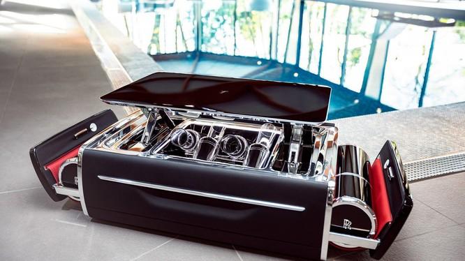 Hộp đựng sâm banh của xe Rolls Royce