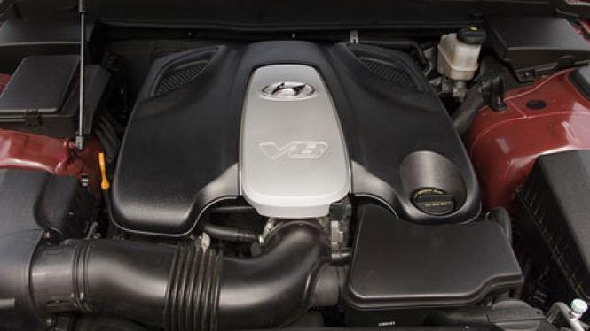 Động cơ Tau V8 xuất hiện lần đầu trên mẫu Hyundai Genesis. Ảnh: Autoblog