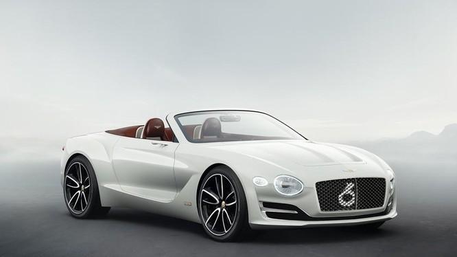 Mẫu Bentley Centenary Concept được hãng Bentley tung ra thị trường nhân kỷ niệm 100 thành lập. Ảnh: Carbuzz
