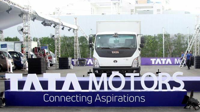 Tại thị trường Việt Nam, xe tải hạng trung Tata Ultra 814 thế hệ mới 2019 có nhiều cải tiến so với đối thủ.